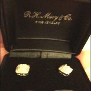 Bridge Diamond Diamond Stud Earrings 1/10CTTW AA7